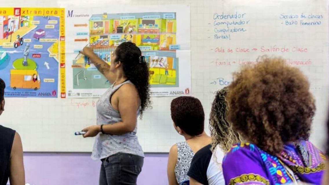 Projeto oferece aulas de espanhol gratuitas no Complexo da Maré