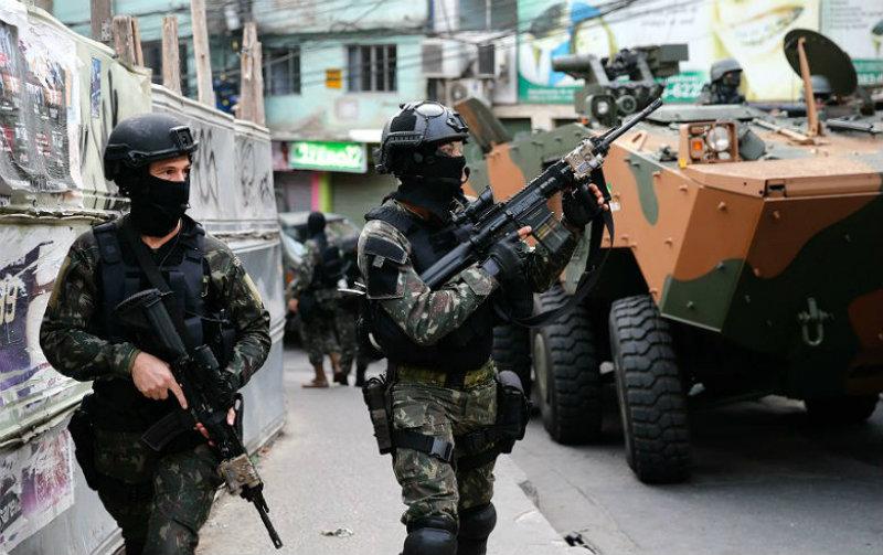 """""""Vozes sobre a Intervenção"""" apresenta balanço de seis meses de intervenção federal do Rio"""