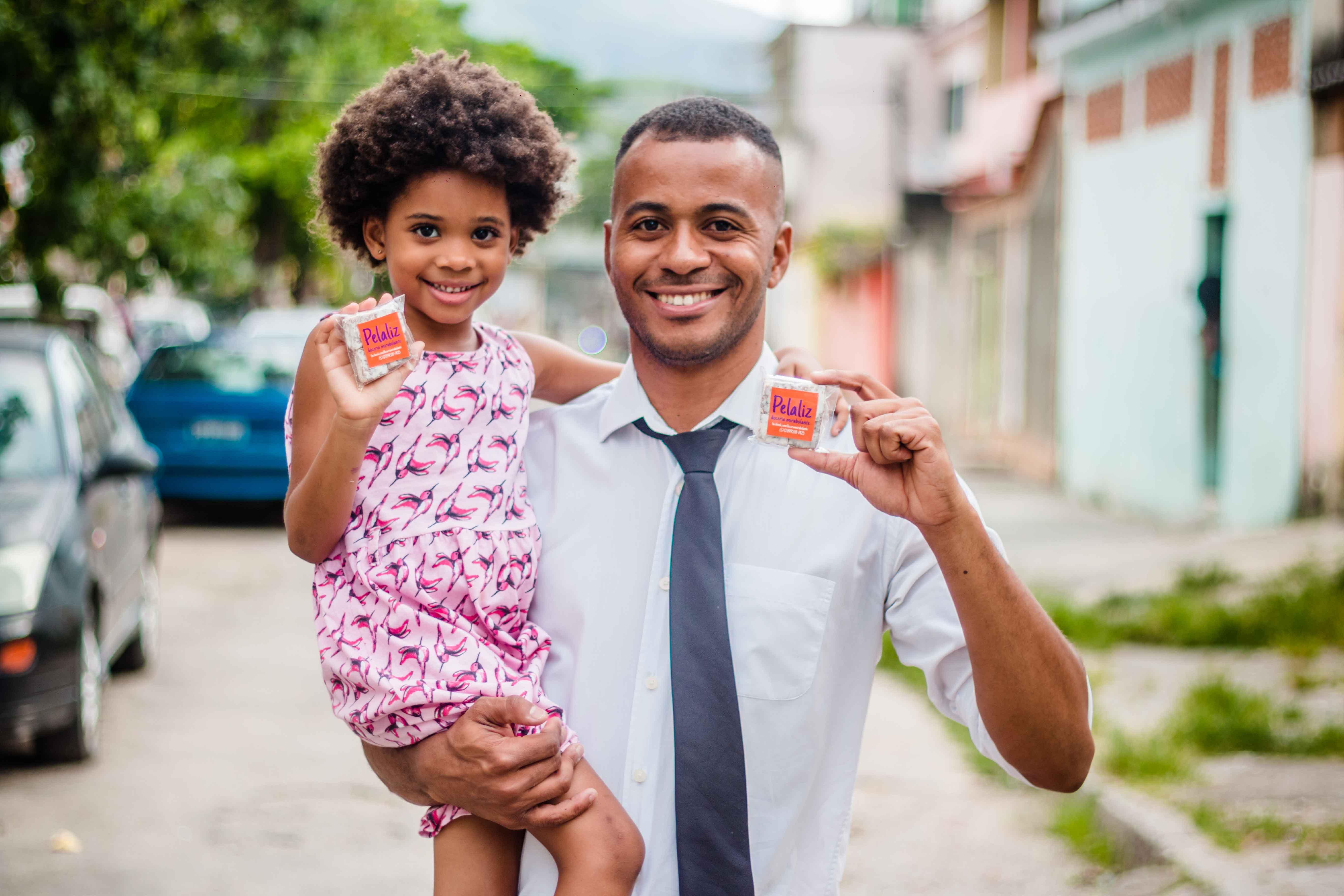 Com açúcar, com afeto: um doce de pai na Vila Kennedy
