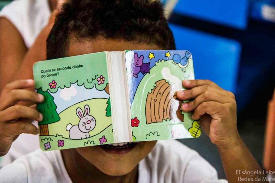 Biblioteca na Nova Holanda é destina ao público infantil