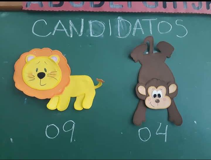 Escola Municipal na Vila Kennedy simula eleições com crianças