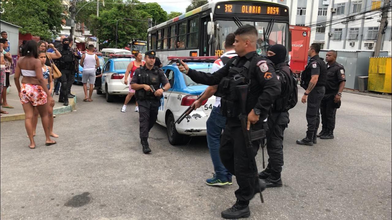 Moradores denunciam ação policial na tarde de hoje, no Complexo do Alemão