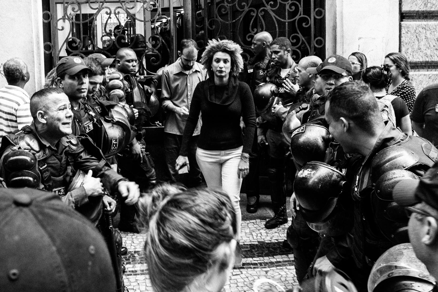 Marielle Franco saindo da Câmara Municipal do Rio de Janeiro; 26/10/2017 | Foto: Bárbara Dias/Fotoguerrilha