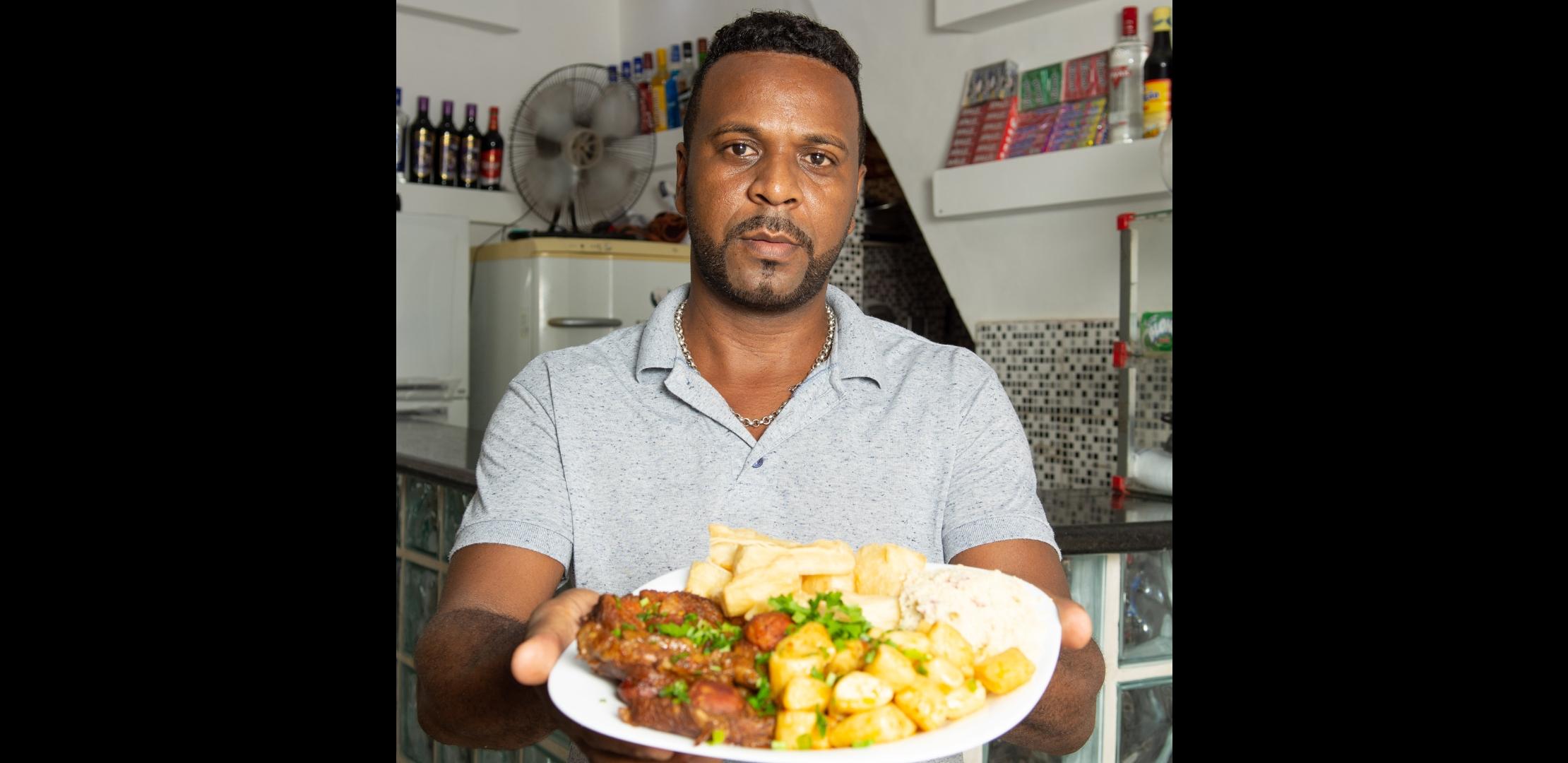 No Terreirão no Samba, Circuito Gastronômico de Favelas reúne melhores pratos dascomunidades neste sábado (01)