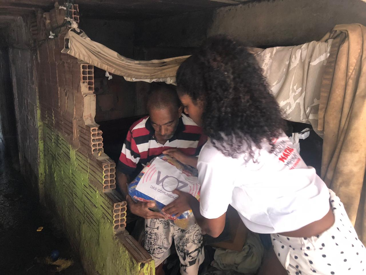 Campanha Por Um Natal Melhor bate recorde e ONG Voz das Comunidades doa 10 toneladas de alimentos
