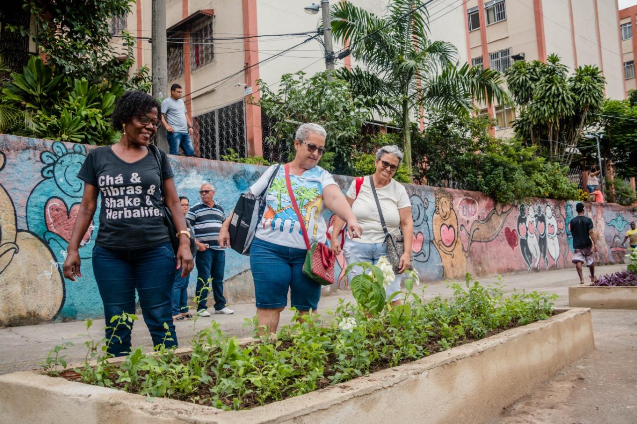 """""""É importante que tenham acessibilidade e um lugar bonito aqui no Alemão"""". Foto: Renato Moura/Voz das Comunidades"""