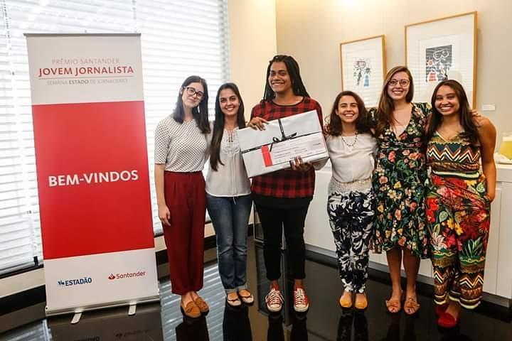 Morador do Morro do Borel conquista Prêmio Santander Jovem Jornalista