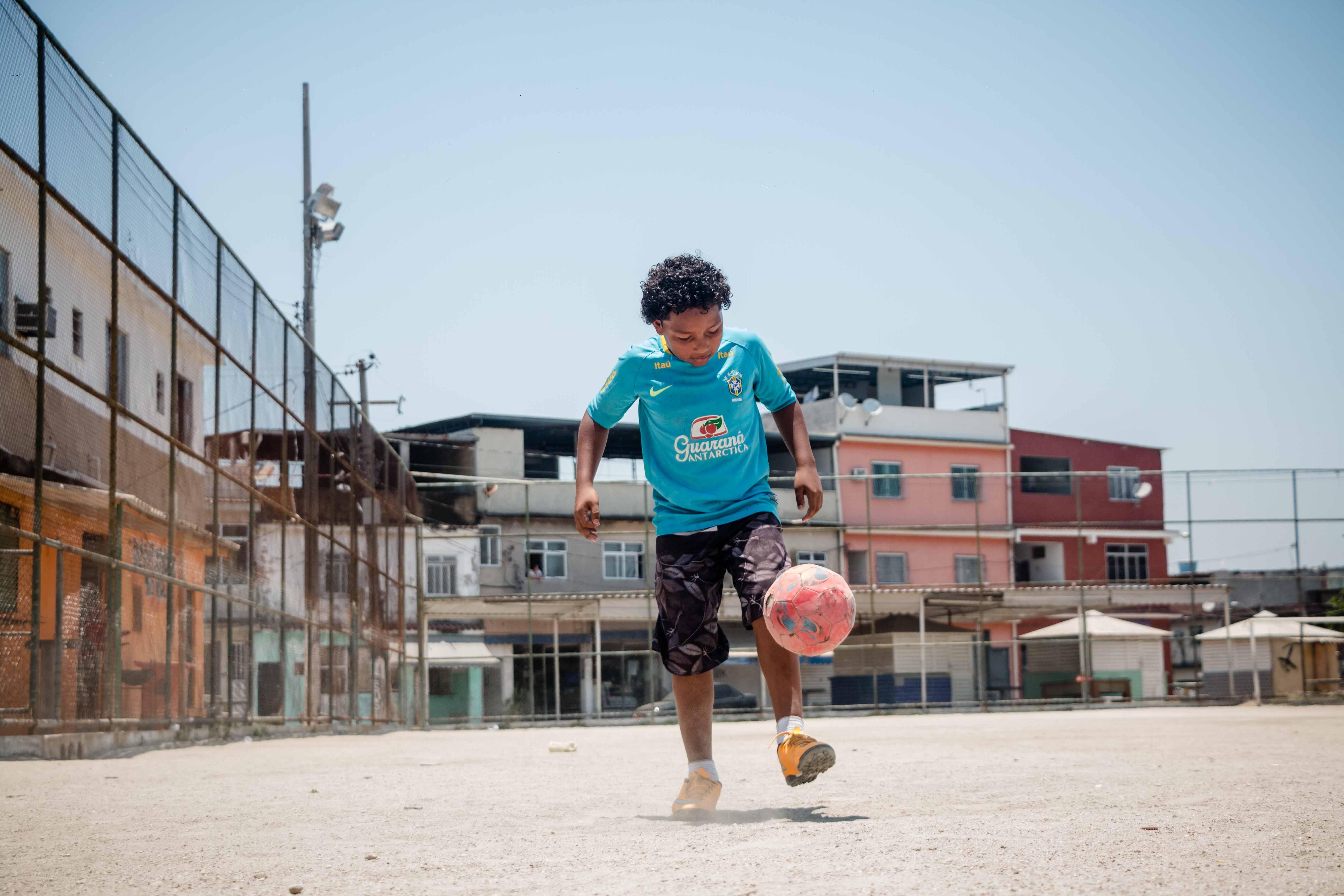Atleta da Favela Kelson: Xandinho recebe apoio de jogadores da França e EUA