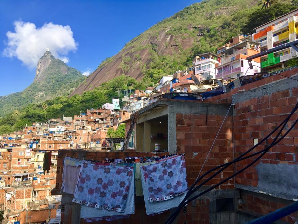 Quando foi que cê pisou numa favela pra falar sobre o seu feminismo?