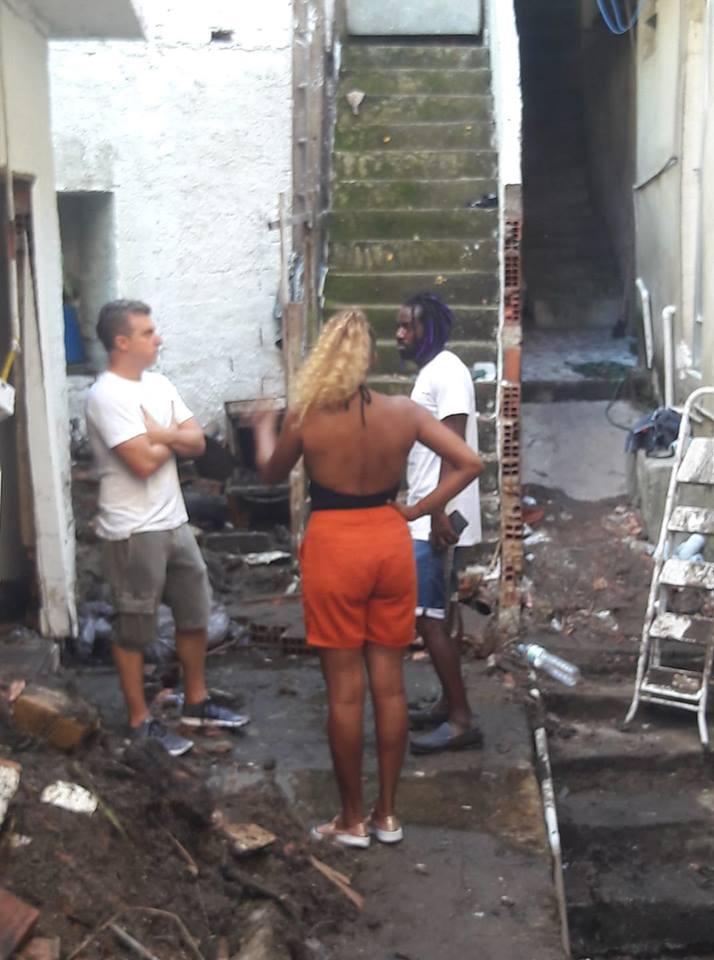 Luciano Huck visita áreas mais afetadas no Vidigale pede doações