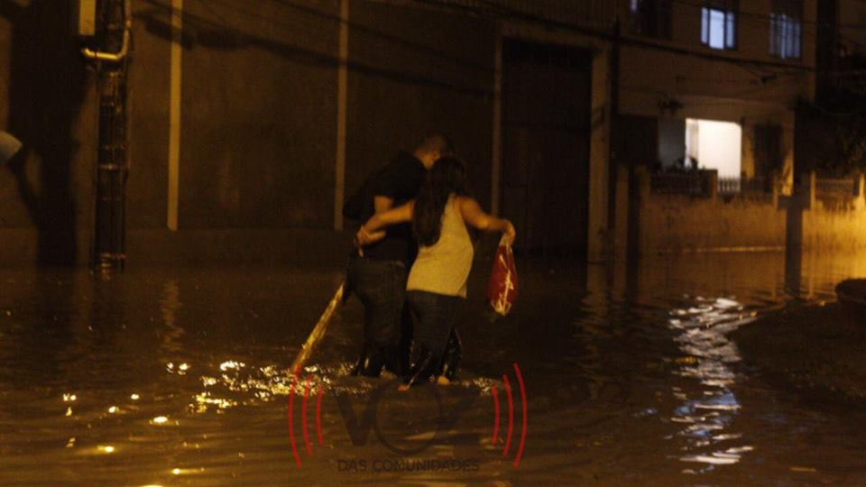 #ChuvaRJ: Sirenes foram acionadas no Alemão durante tempestade de ontem