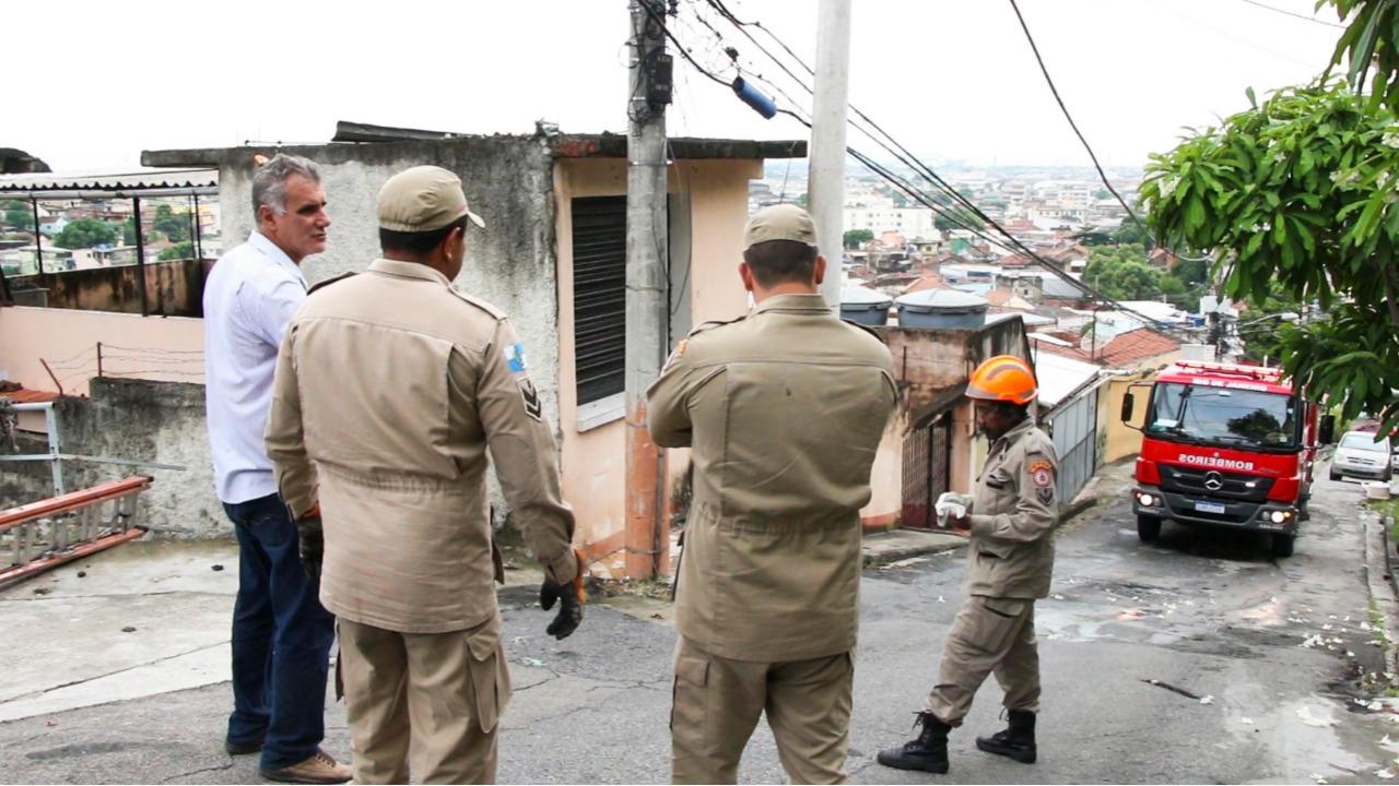 Cabo do teleférico cai após chuva forte. Foto: Betinho Casas Novas/ Voz das Comunidades