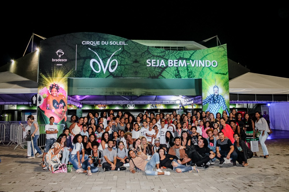 Voz das Comunidades leva 132 moradores do Alemão ao Cirque du Soleil