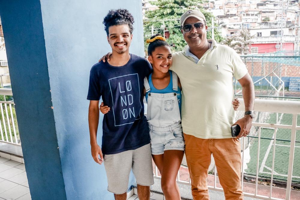 Família comemora: Moradora do Adeus, ex participante do The Voice Kids vai para Áustria