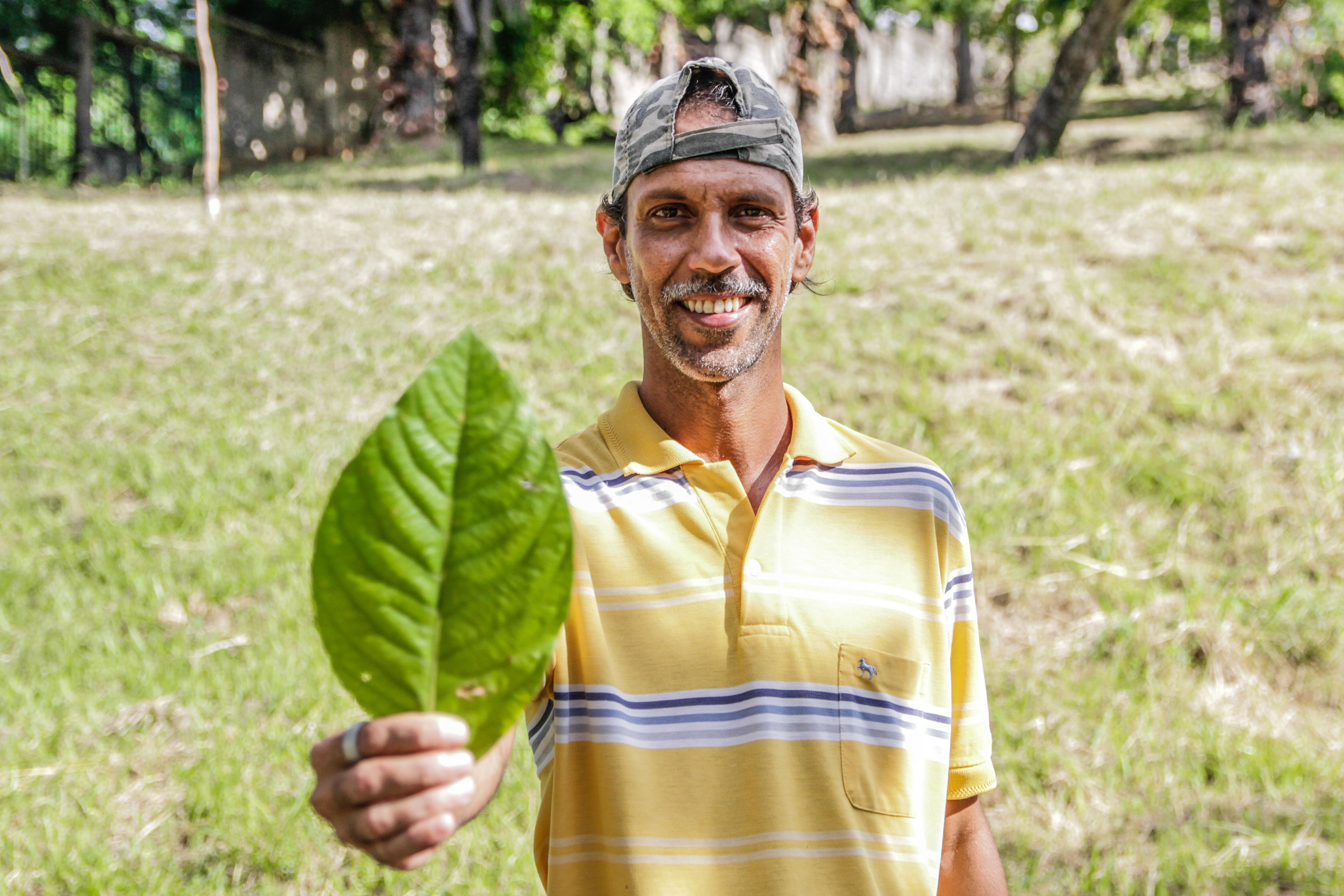 Projeto Penha Verde realiza ações de plantio e manutenção de árvores na região