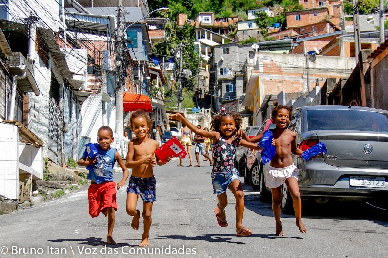 #PAZcoaDasComunidades: Campanha fez a alegria de mais de 10 mil crianças nas favelas
