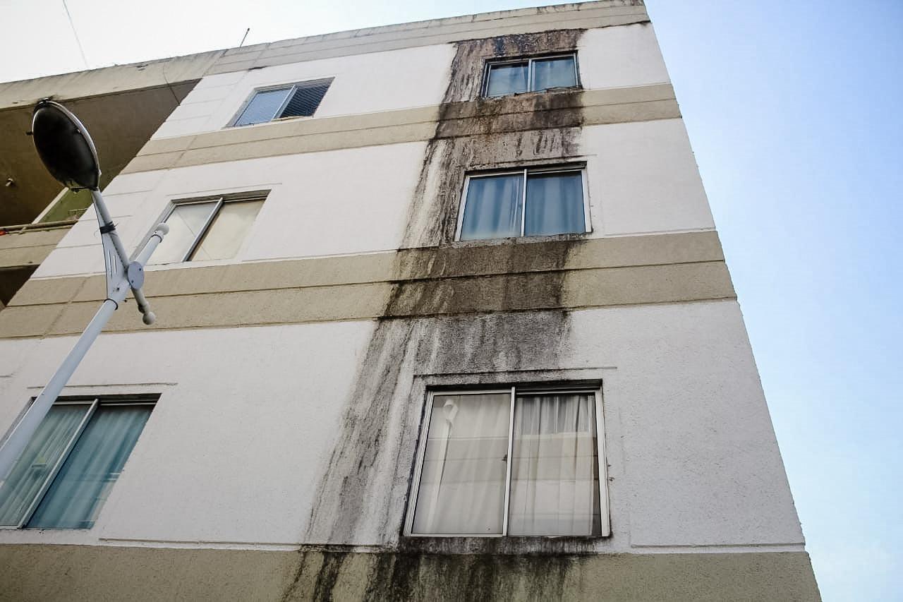 Moradores da Poesi afirmam ouvir estalos frequentes na estrutura do prédio