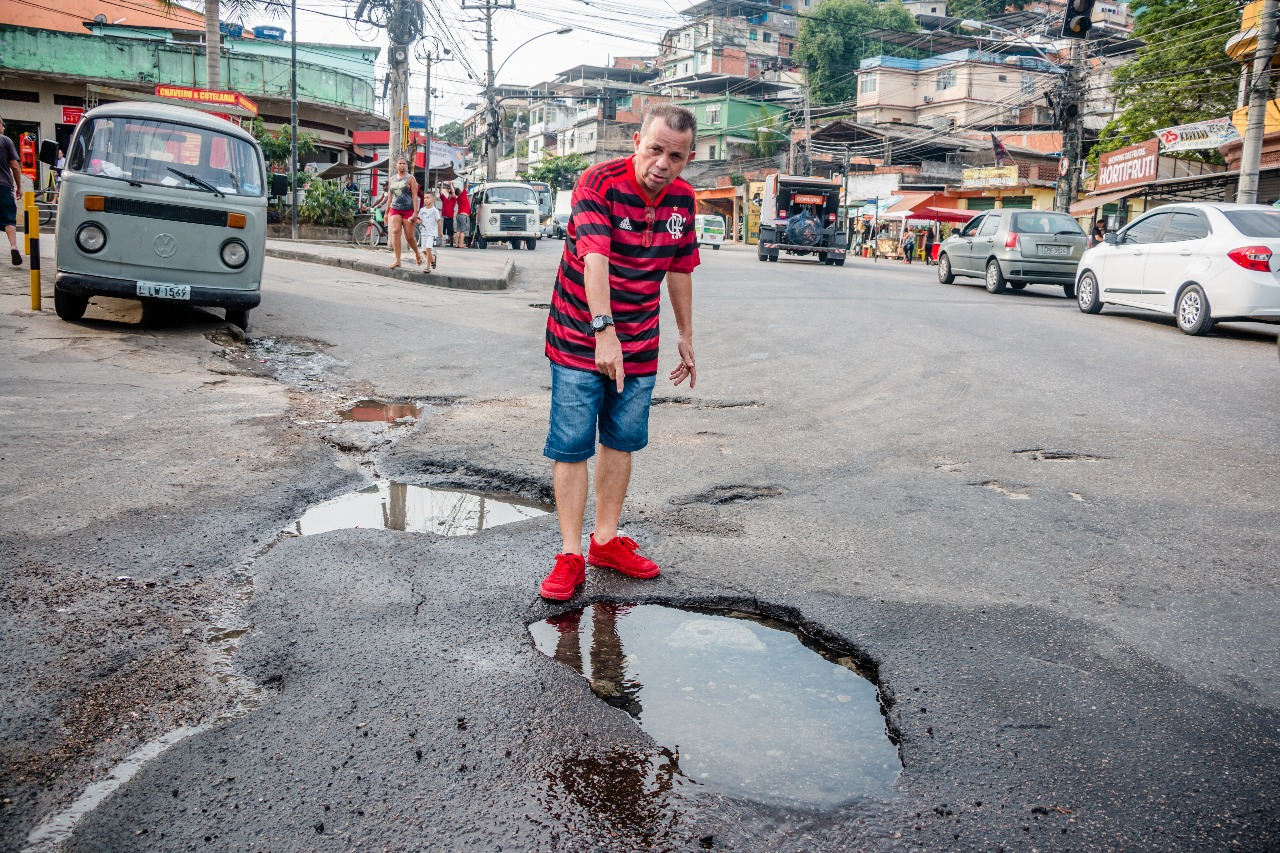Sem água: Vazamento impede abastecimento na Grota e moradores cobram providências
