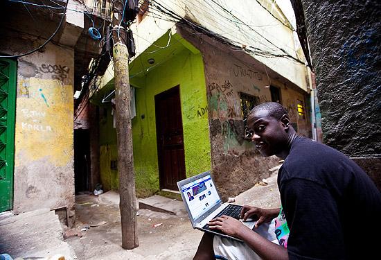 Complexo da Maré recebe debate sobre conexão à internet nas favelas
