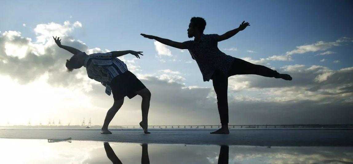 Dançarinos da Maré selecionados para uma das escolas internacionais mais importantes do mundo viajam hoje