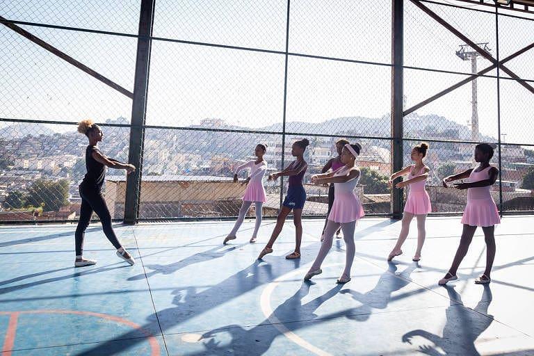 'Quem é você?': Projeto na Ponta dos Pés apresenta espetáculo na Arena Dicró neste domingo (20)
