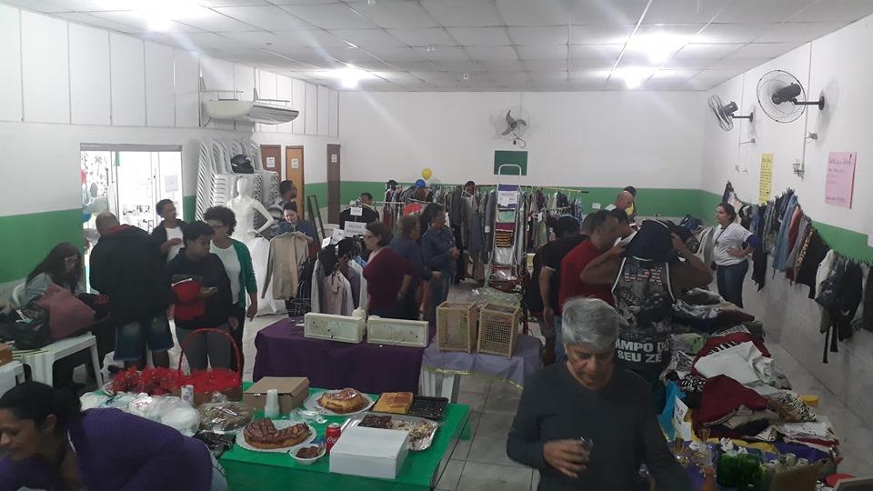 Instituto Movimento & Vida promove bazar solidário