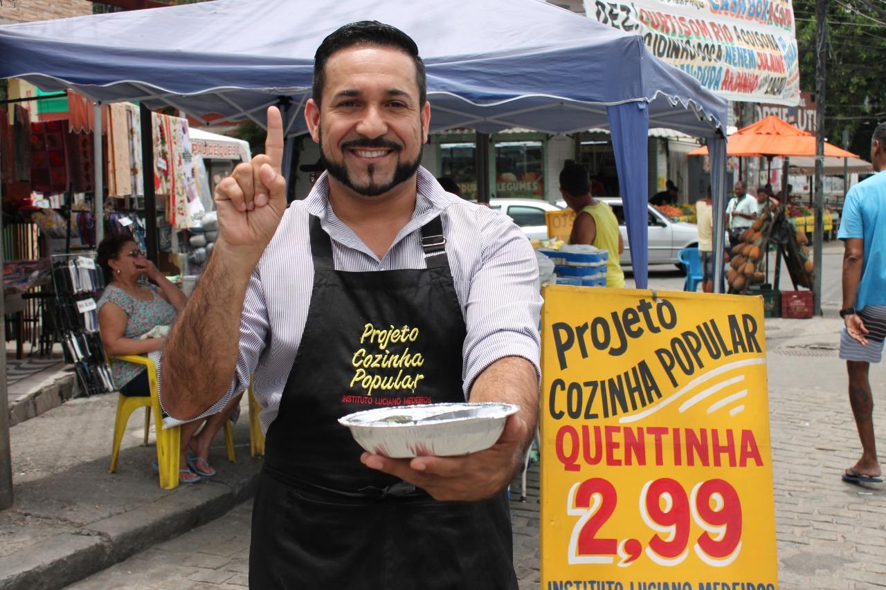Projeto Cozinha Popular vende mais de mil quentinhas por dia e completa 1 ano nas favelas do Rio