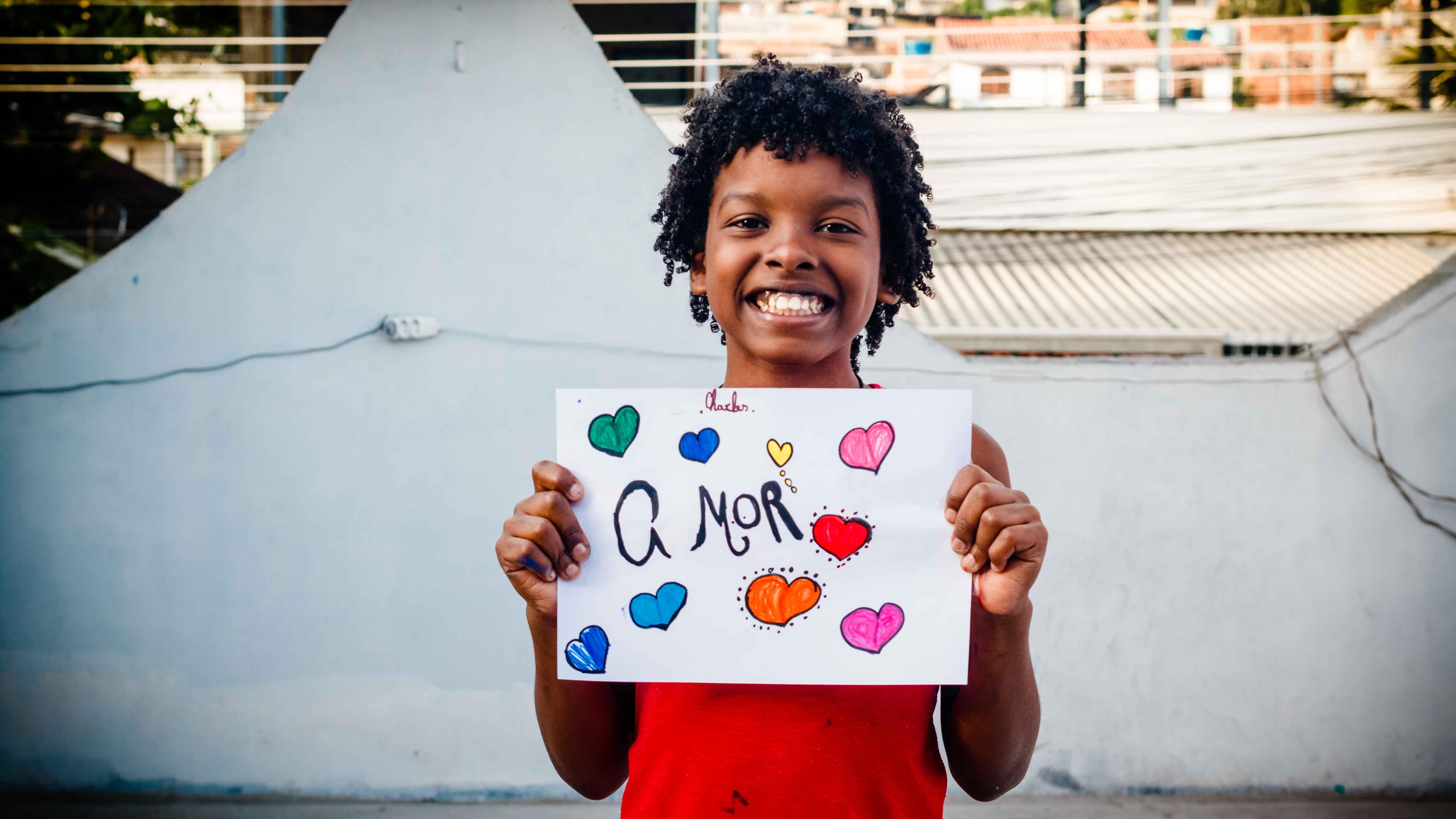 Paz e amor é o desejo das crianças do Complexo do Alemão para 2020