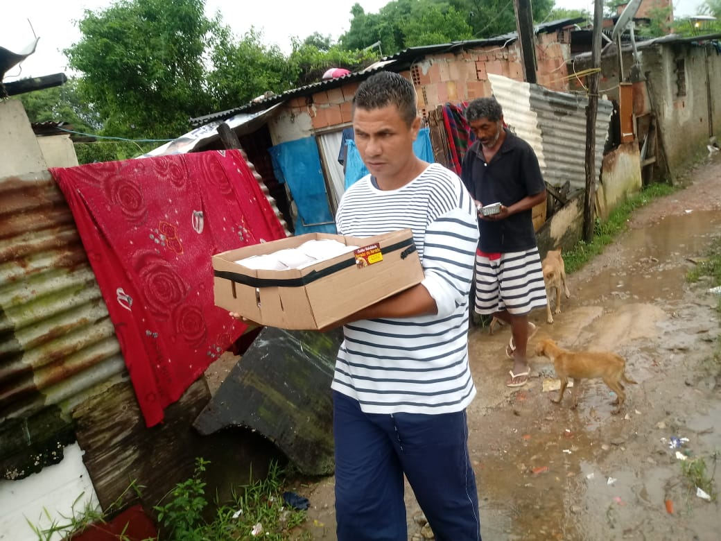 Veja onde doar para famílias atingidas pela chuva na Vila Kennedy