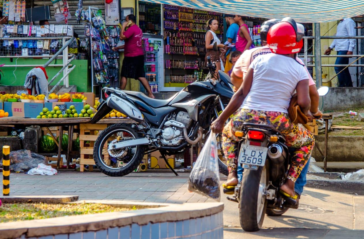 Movimento de vans e kombis na favela cai durante a pandemia