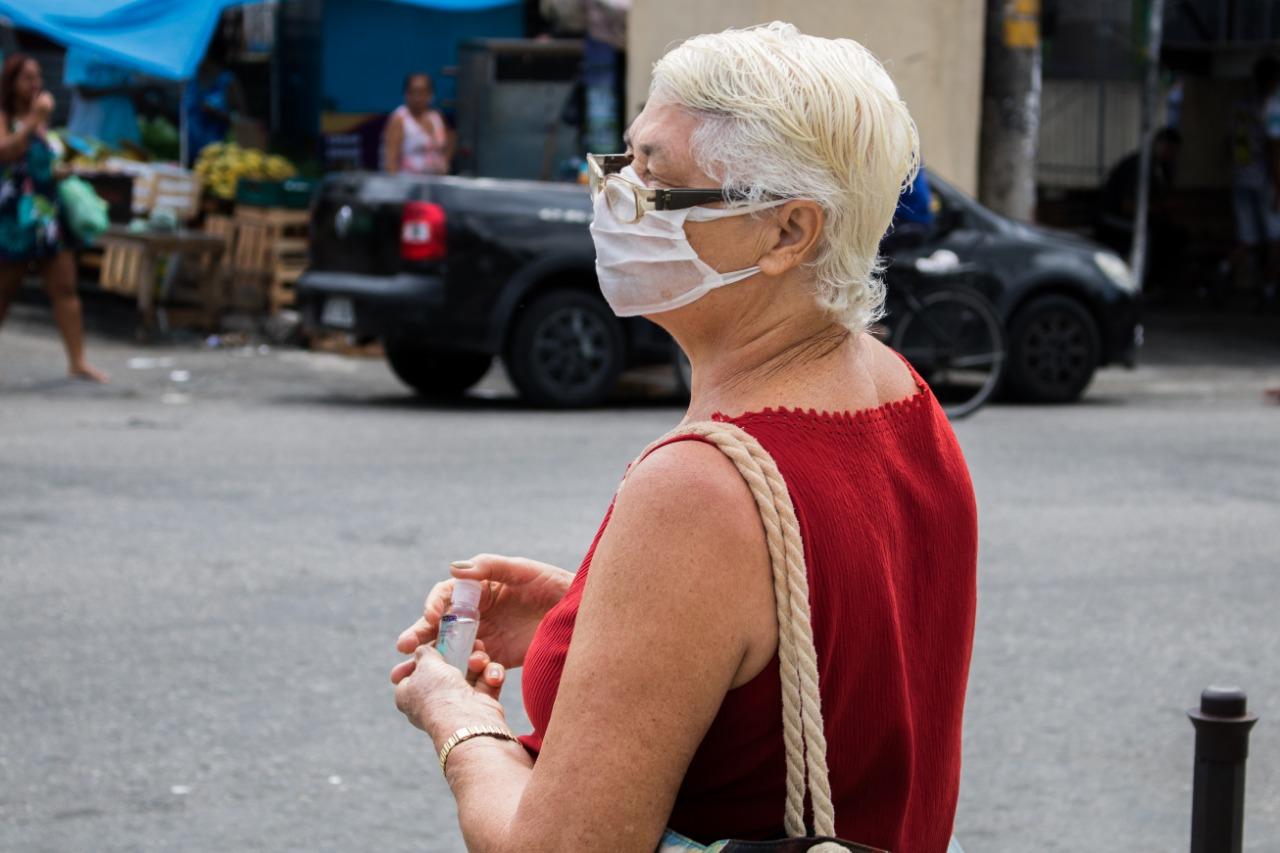 Agora é obrigatório: Moradores do Rio devem usar máscara ao sair de casa