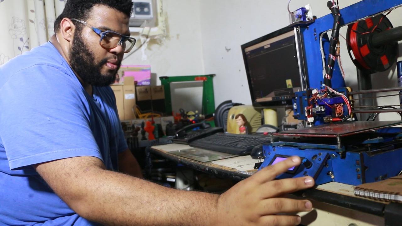 Jovens de comunidade rompem barreiras através do empreendedorismo