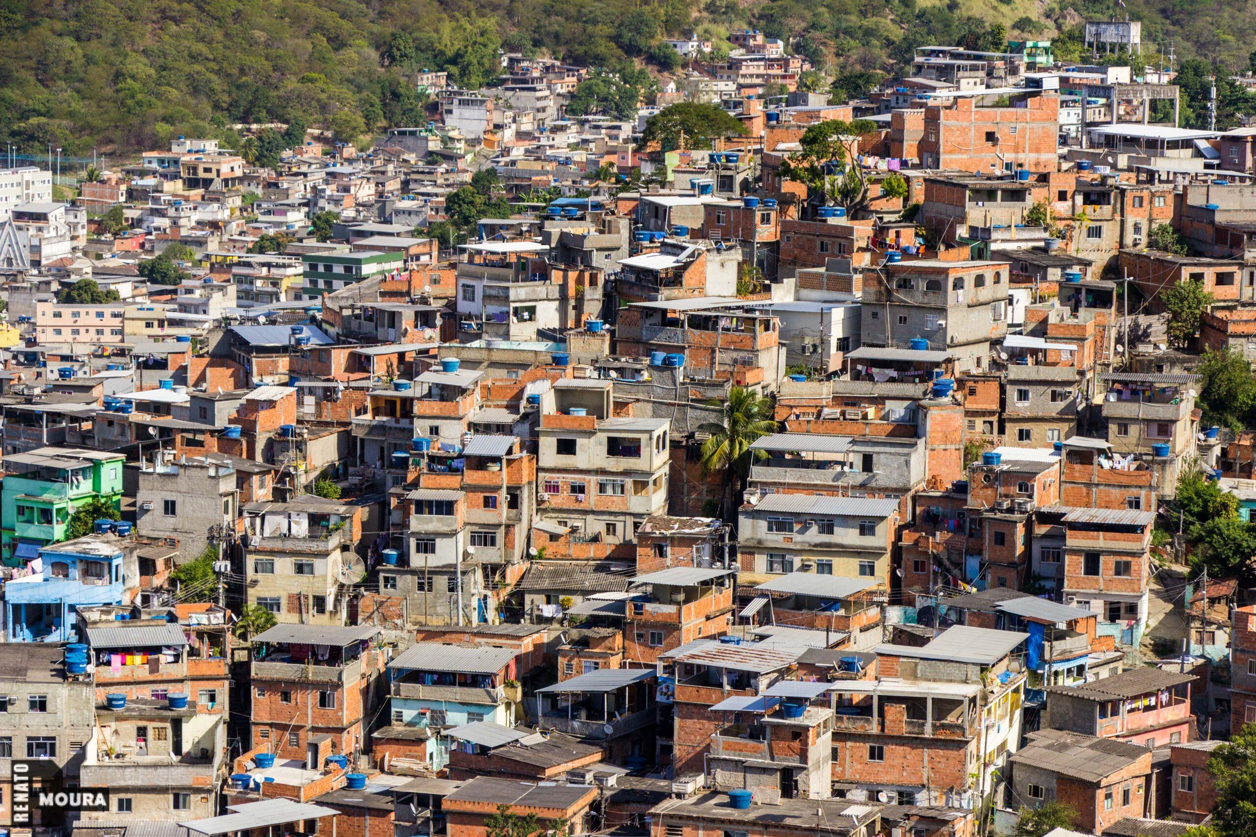 Projeto Casa Carioca pretende reformar 20 mil residências precárias de dez complexos de favelas