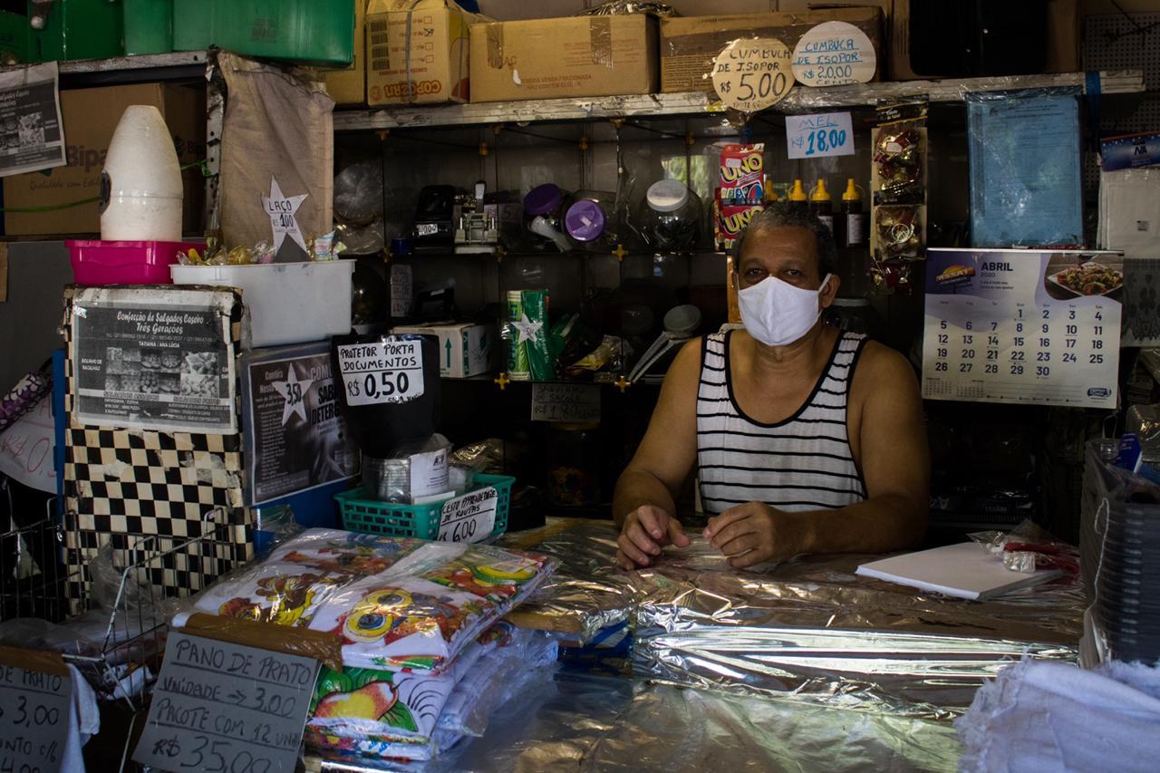 Prefeitura manda fechar comércios nas favelas do Rio