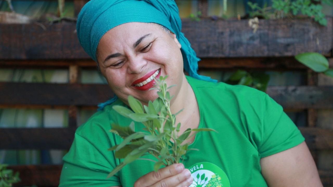 Projeto Favela orgânica distribui quentinhas saudáveis para moradores da Babilônia