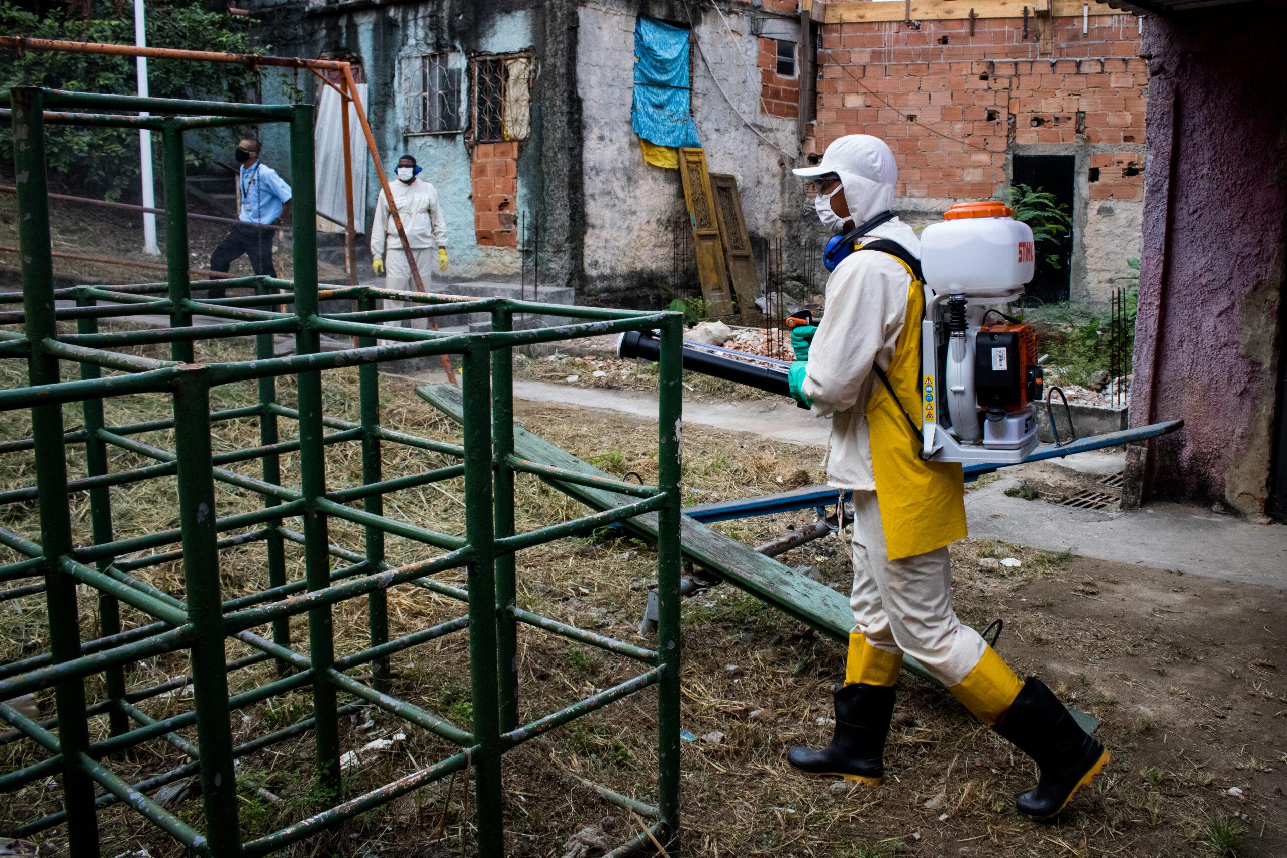 Cedae divulga nova agenda de sanitizações em favelas do Rio