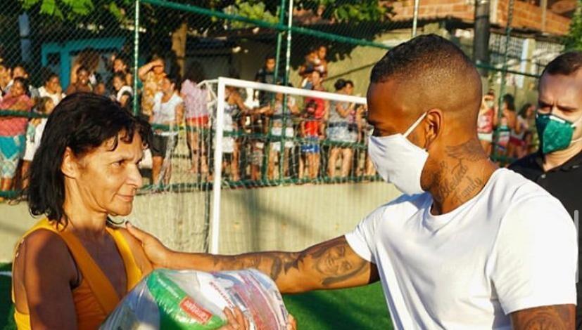 Nego do Borel anuncia live para ajudar favelas da Tijuca