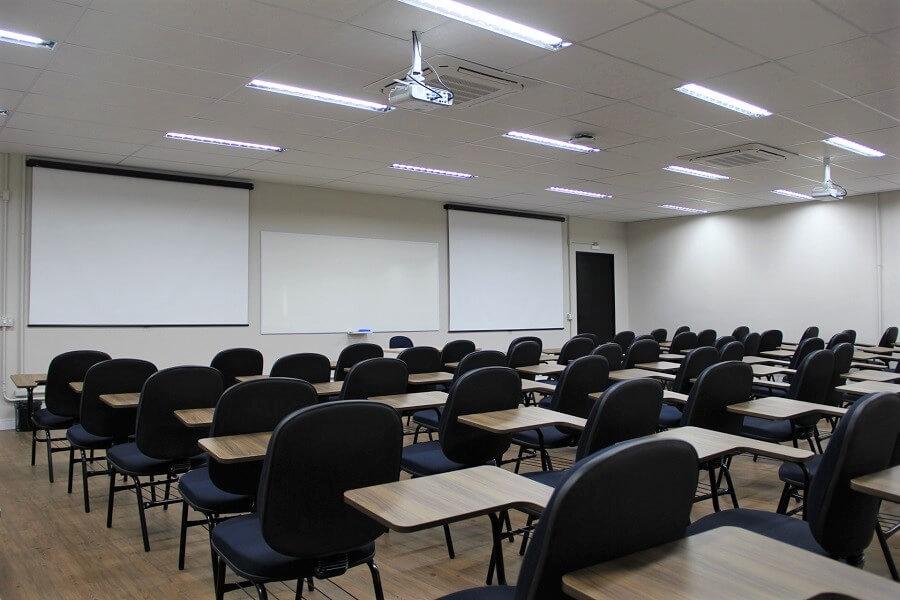 MEC prorroga a suspensão de aulas por mais 30 dias em todo Brasil