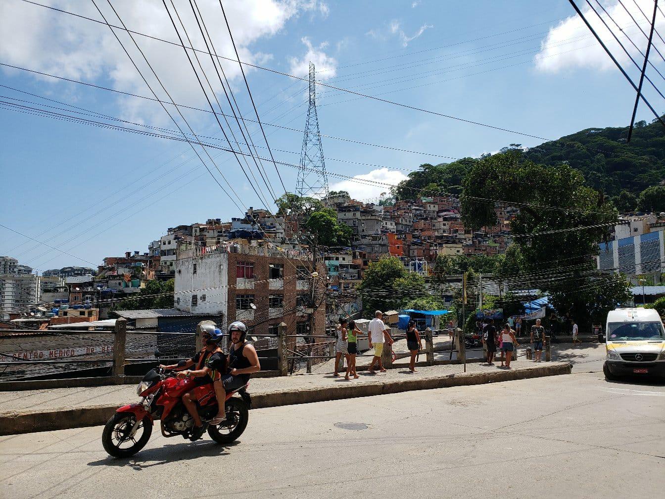 Rocinha ultrapassa 100 casos confirmados de covid-19