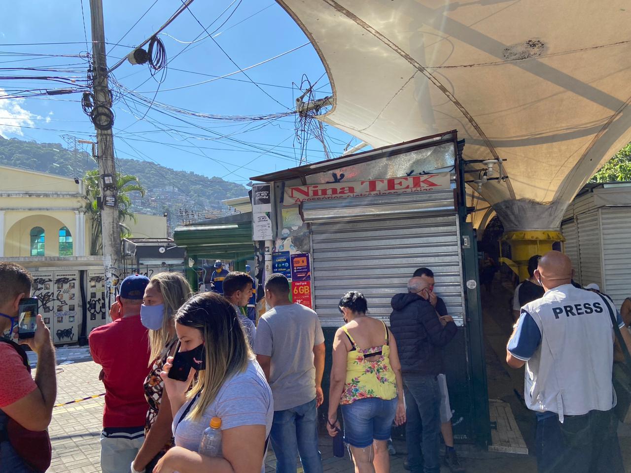 Prefeitura recuou na decisão de demolir comércio da Rocinha