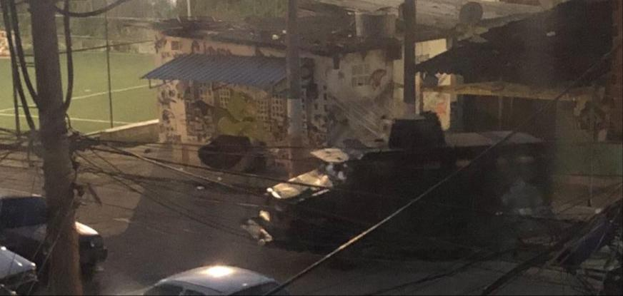 Ação da PM mata jovem e interrompe distribuição de cestas básicas na Cidade de Deus