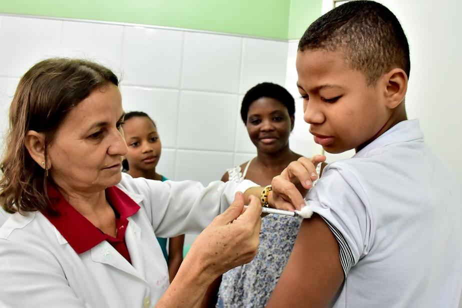 Crianças de 11 e 12 anos devem ser vacinadas contra Meningite