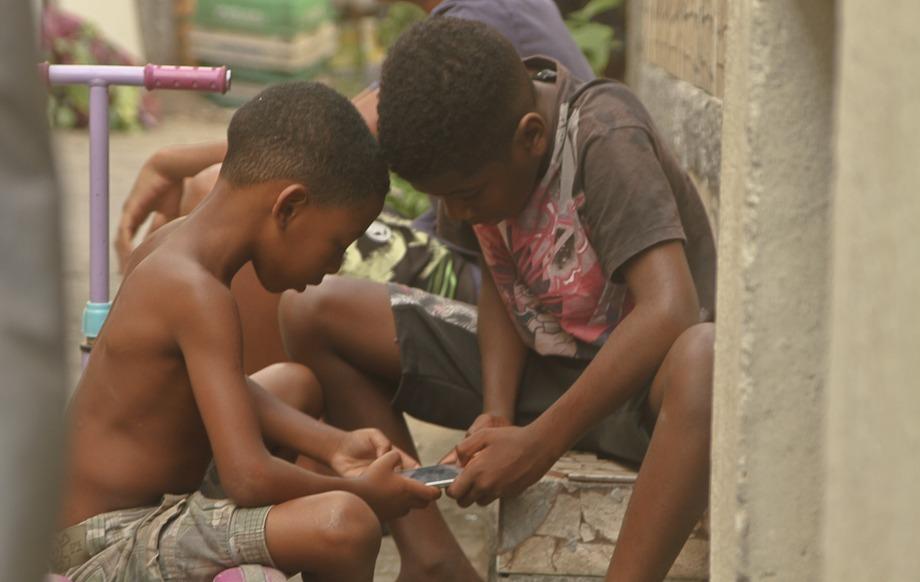 Dinheiro e pandemia: entre o real e o digital na periferia