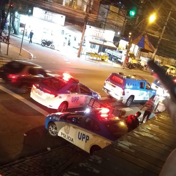 Moradores se assustam e relatam troca de tiros no Complexo do Alemão
