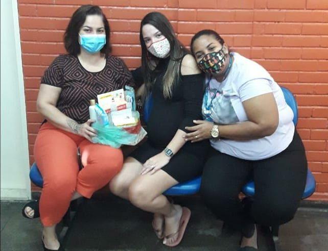 Posto de Saúde da Cidade de Deus distribui kit para gestantes moradoras da comunidade