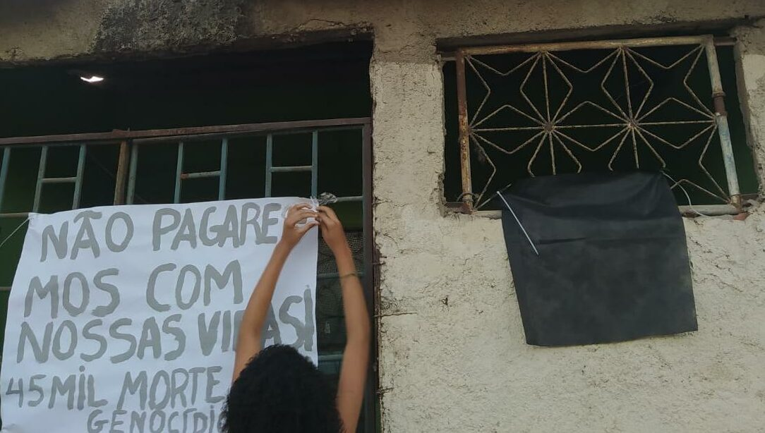 Moradores da Maré manifestam contra descaso das autoridades em meio a pandemia da Covid-19