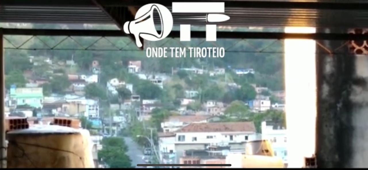 Operação da PM no Morro da Serrinha tem intenso tiroteio  nesta manhã de quinta-feira (18)