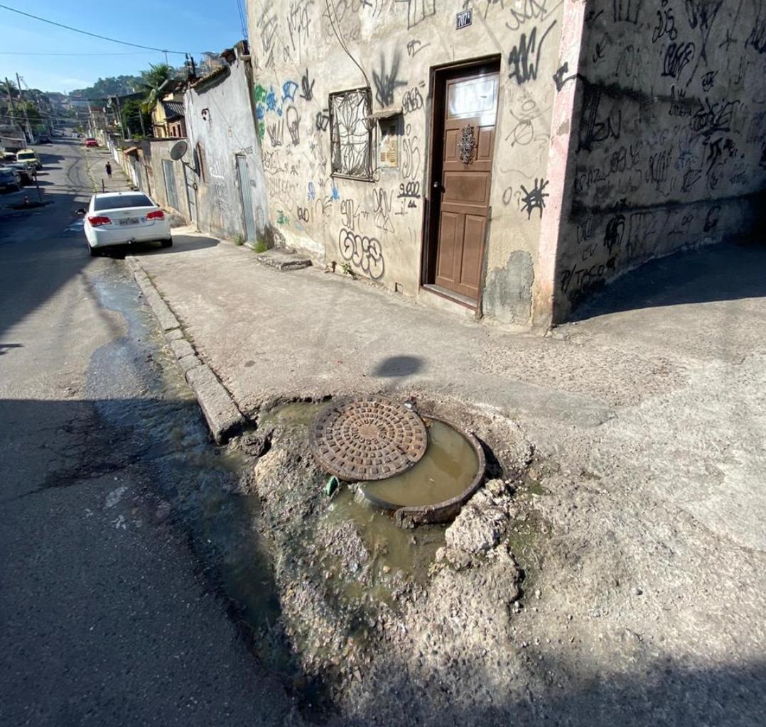 Bueiro aberto há 10 anos no Morro do Adeus segue sem solução