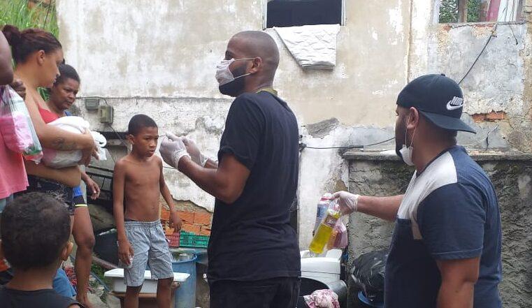 Moradores do Morro dos Macacos se unem na luta contra a Covid-19